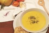 Cremige Kürbis-Safran-Suppe